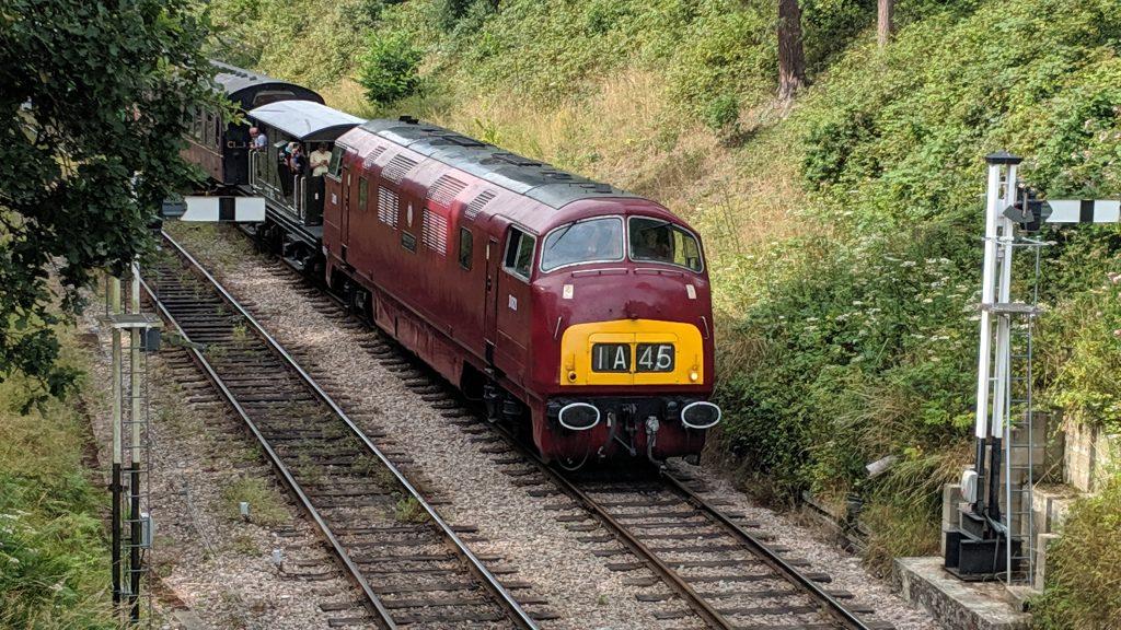 D821 Greyhound Locomotive
