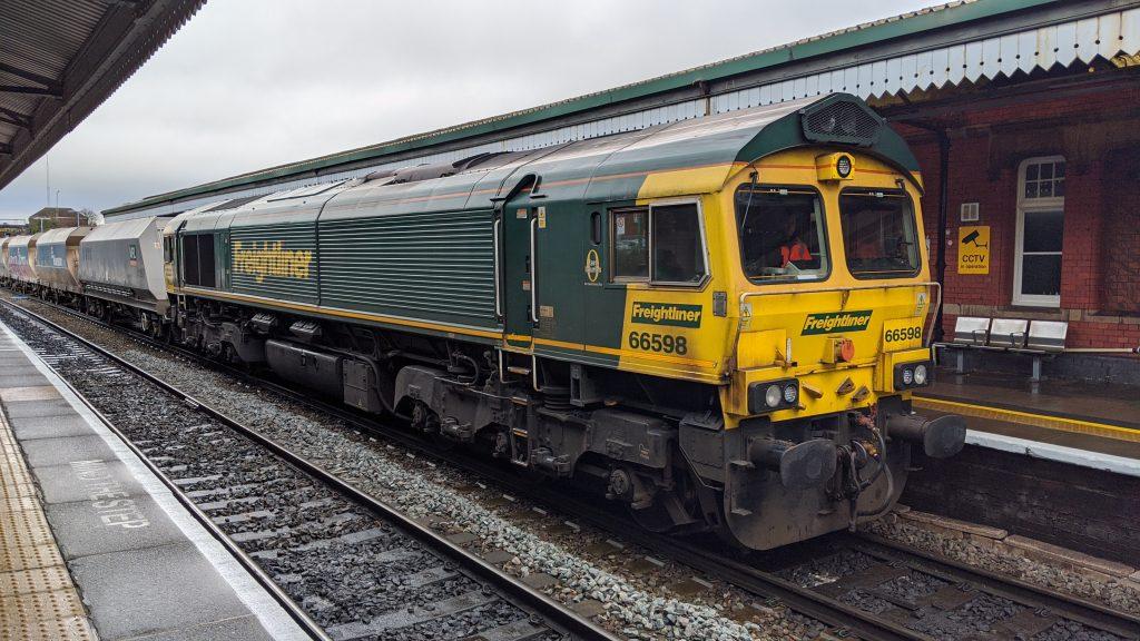 Freightliner 66598