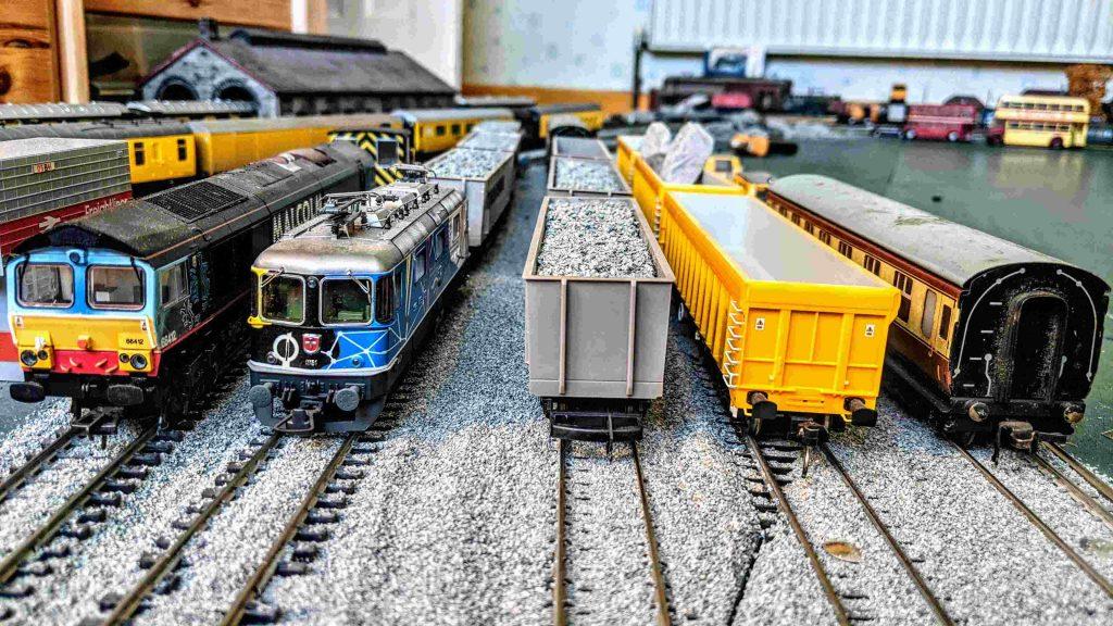 Railway Couplers OO Gauge