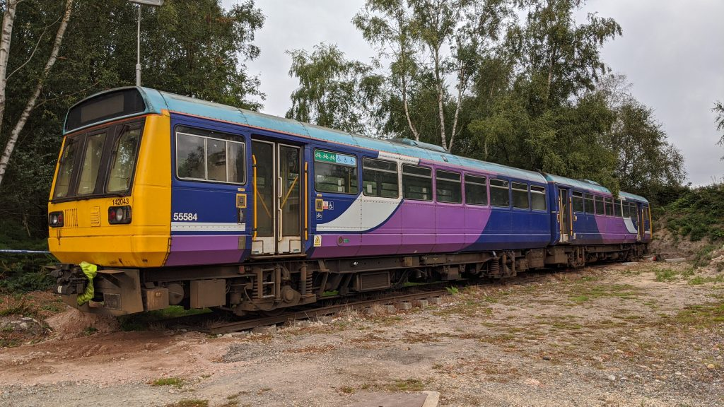 Northern Pacer Class 142 at Kingstanding (Number 142043)